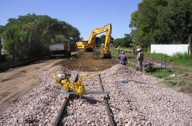 Image result for renovacion vias de tren chile